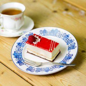 product-gebak-witte-chocolademousse-met-framboos-large