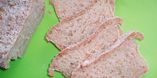 glutenvrij-recept-bruin-brood-met-wortel